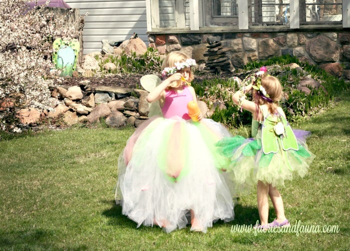 A no sew fairy costume for little girls.  This fairy costume looks like a blossom