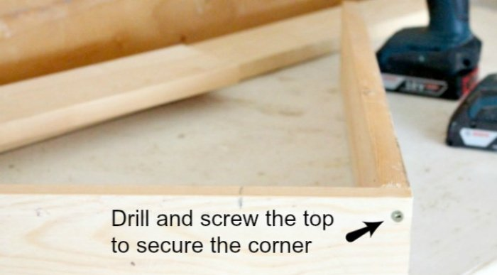 How to put together the corners on a DIY Bulletin board for Kids