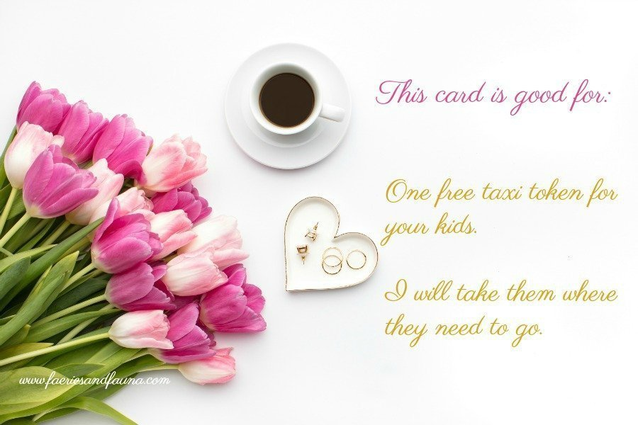 Photo of a Valentine card printable that is perfect for Mom.