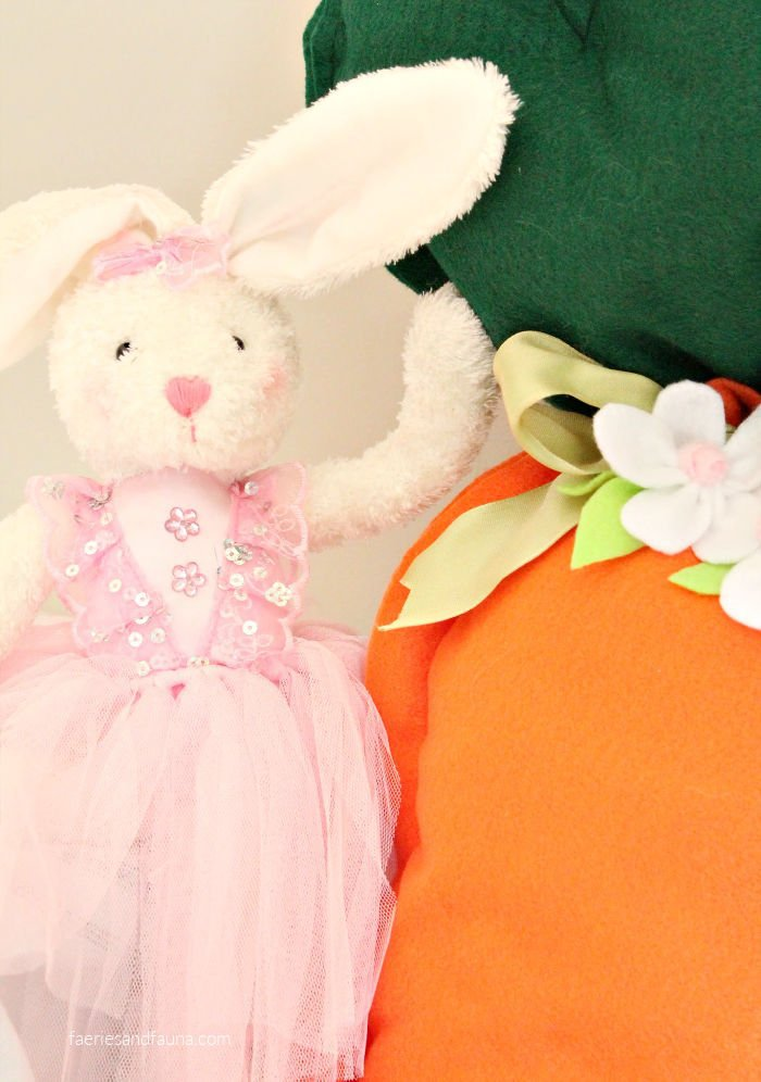 Stuffed Carrot Easy Felt Craft for Easter.