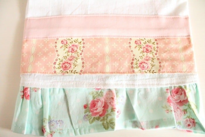 Pretty ruffled tea towels for Spring 700