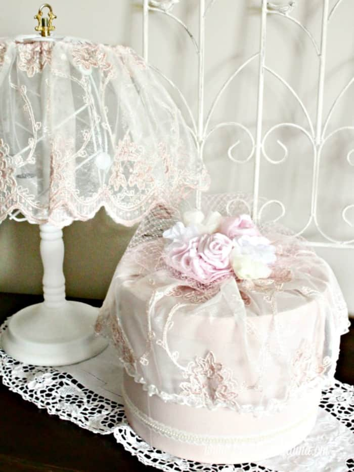 Pink shabby chic lamp makeover with white chalk paint base and matching vintage hat box.   lamp makeover, shabby chic lampshade ideas, diy shabby chic lamp, shabby chic, shabby chic lamp
