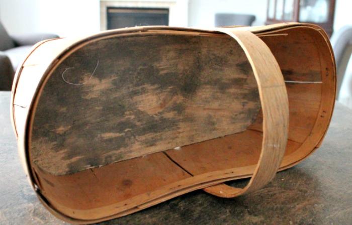 The aged bottom of a vintage basket.  Fall Basket Makeover, Vintage Baskets, Wood Basket, Farmhouse Basket