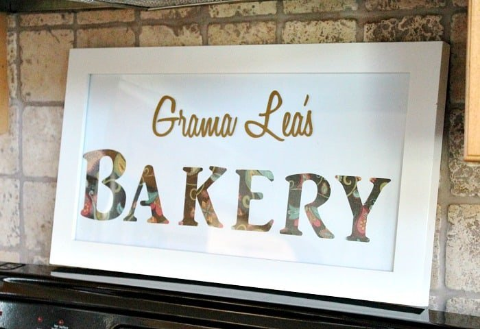 A personalized DIY Farmhouse style sign for the kitchen that says Bakery. farmhouse kitchen, farmhouse style kitchen, farm style kitchen,farmhouse kitchen accessories
