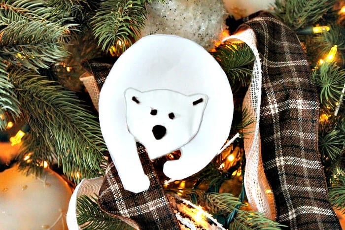 DIY polar bear Christmas tree ornament. diy Christmas decorations, homemade ornaments, homemade Christmas tree ornaments