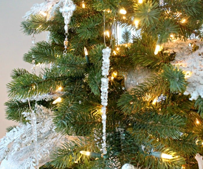 Christmas tree decorations ideas. How to hang long ornaments on a tree. This one is a long crystal tree ornament. tree decorating ideas,Christmas tree decorations items