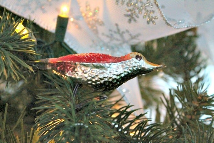 Christmas tree decorations ideas. An antique bird ornament is included as it is an heirloom,   tree decorating ideas,Christmas tree decorations items