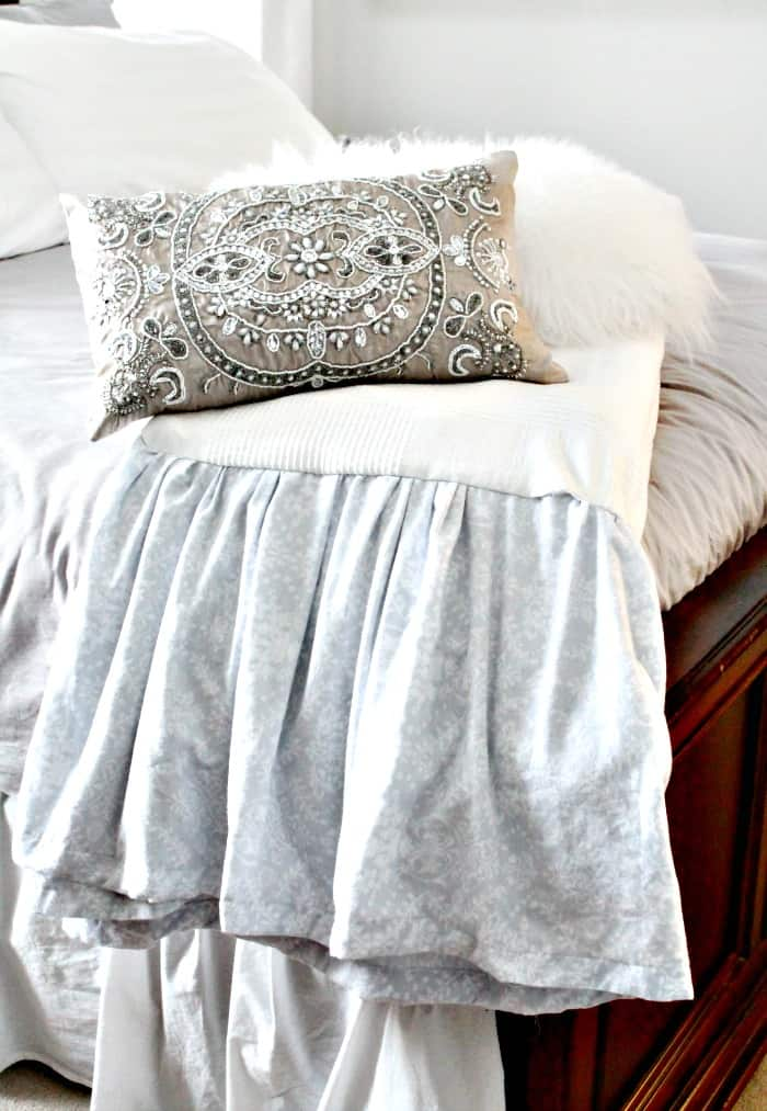A large and cozy DIY comforter using Ikea quilts. Make it in a day
