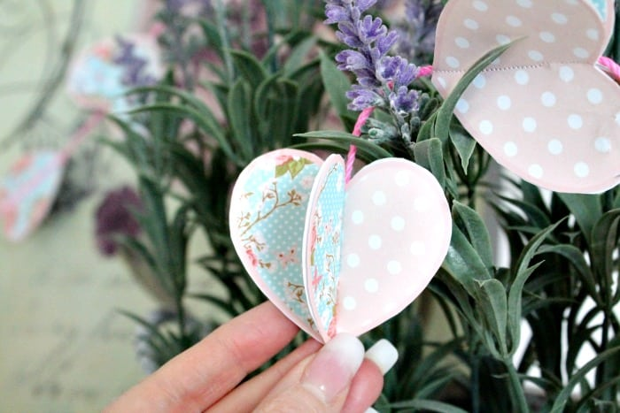 Valentine Craft ideas a simple free printable for a paper Valentine banner.