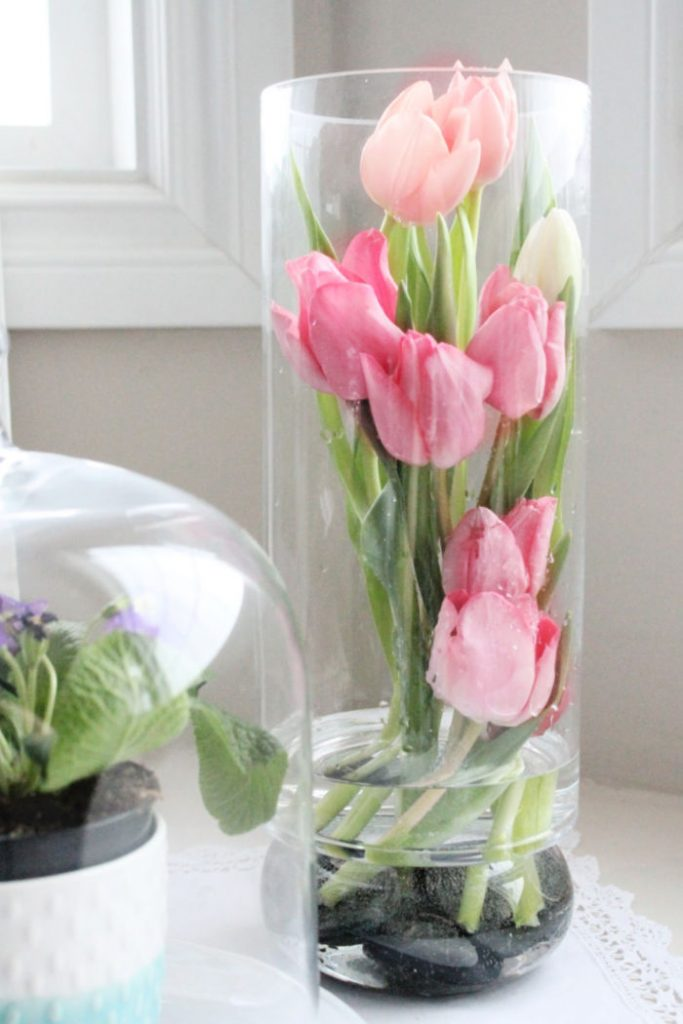 Modern Tulip Arrangement Ideas For Spring