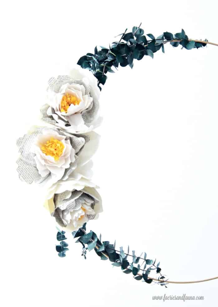 Large metal hoop wreath with handmade crepe paper peony flowers. How to make flowers using newspaper and crepe paper.