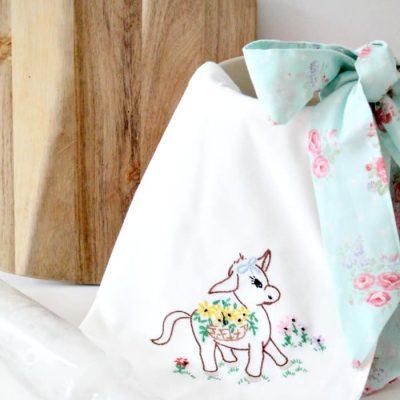 How to Make a DIY Apron Using Tea Towels