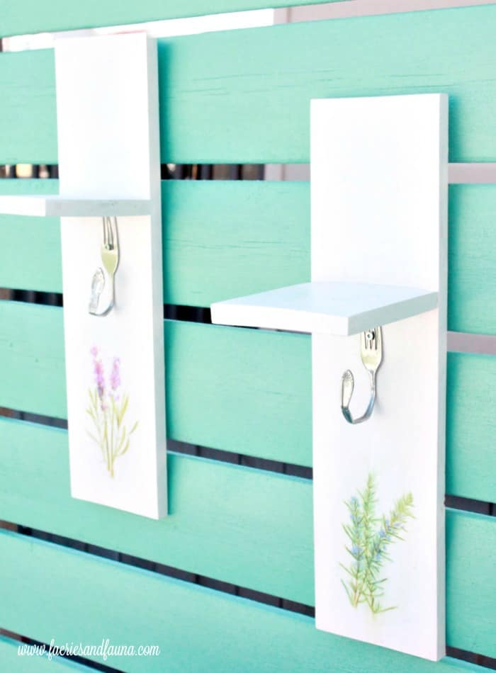 A simple woodworking project used for drying flowers or herb.  A cute outdoor project for flowers.