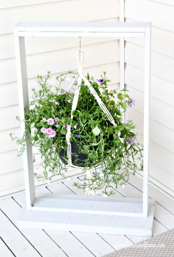 An easy to build outdoor plant hanger
