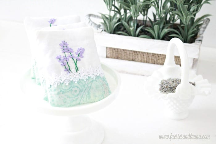 Lavender sachets with embroidery including the pattern. sachet, how to make lavender bags, how to make sachets, lavender bags pattern, hand embroidery, hand embroidery patterns, hand embroidery stitches, hand embroidery designs.