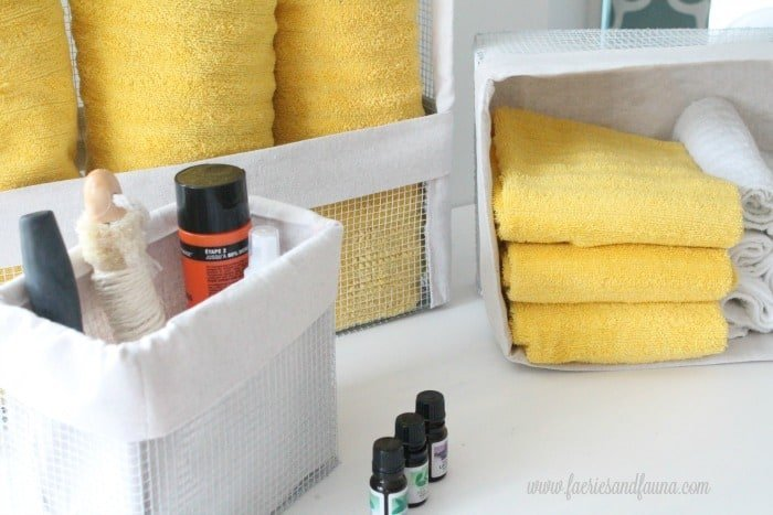 Different sizes of DIY wire baskets with drop cloth liners DIY baskets, how to make wire basket, DIY storage baskets,