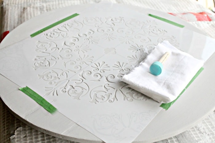 How to stencil a large lazy susan