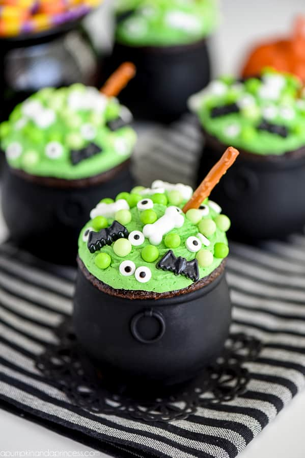Halloween Treats for kids that look like Witches Cauldrons