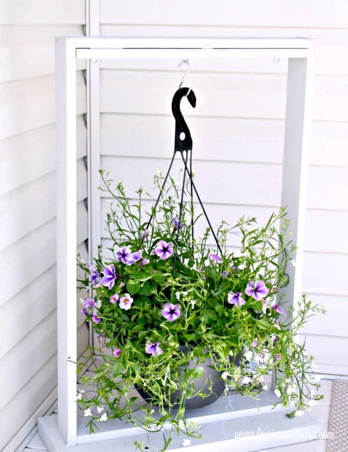 How to build a wood plant frame that can be used as a front yard sign frame