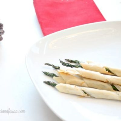 Make ahead Christmas Appetizers Asparagus in Phyllo