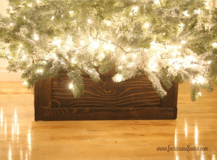 Gorgeous DIY Wood Tree Stand