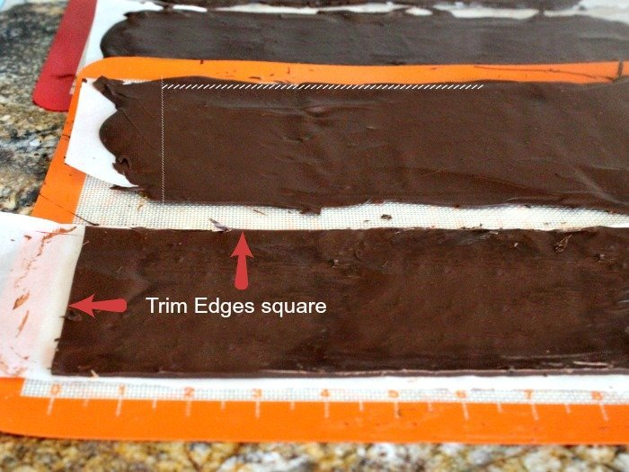 How to make a chocolate collar for a chocolate cheesecake recipe.