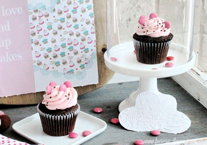 Chocolate strawberry cupcakes for Valentines day.