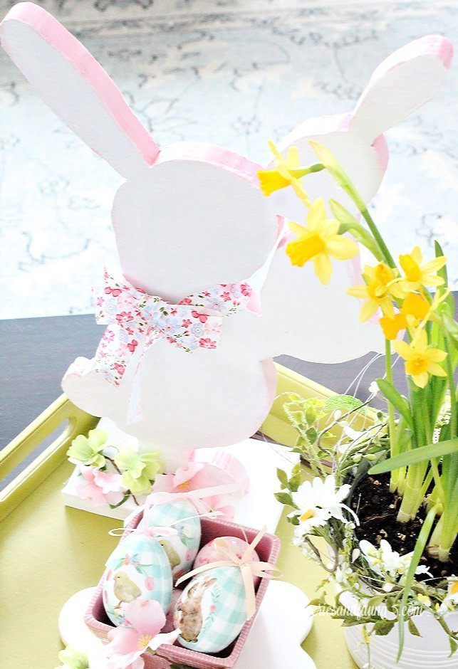 An easy wood project a handmade Easter bunny for Easter decorating.