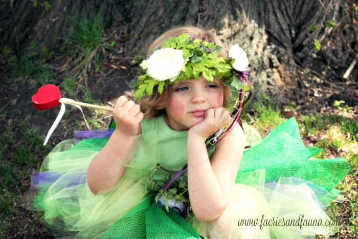 A Spring fairy craft, making a forest fairy crown.
