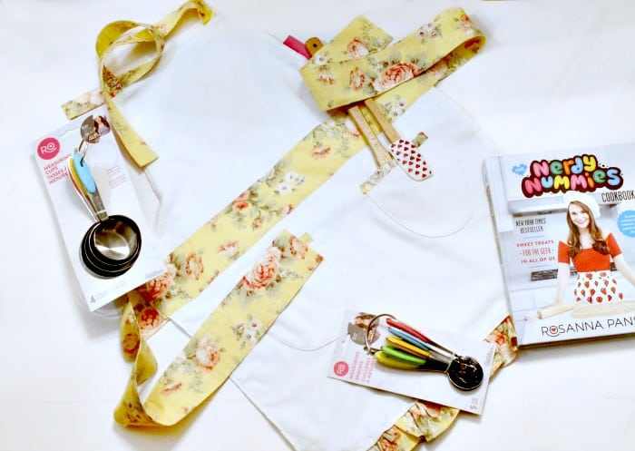 An easy to sew child's apron, perfect for Easter gift giving.