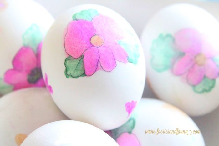A bowl of watercolour floral Easter eggs craft. How to make DIY watercolor Easter eggs.
