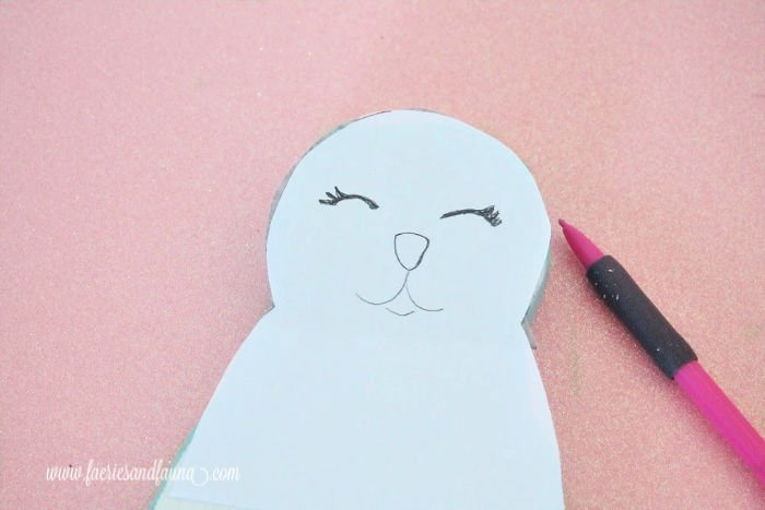 How to transfer free printable pattern of a bunny on to wood using carbon paper.