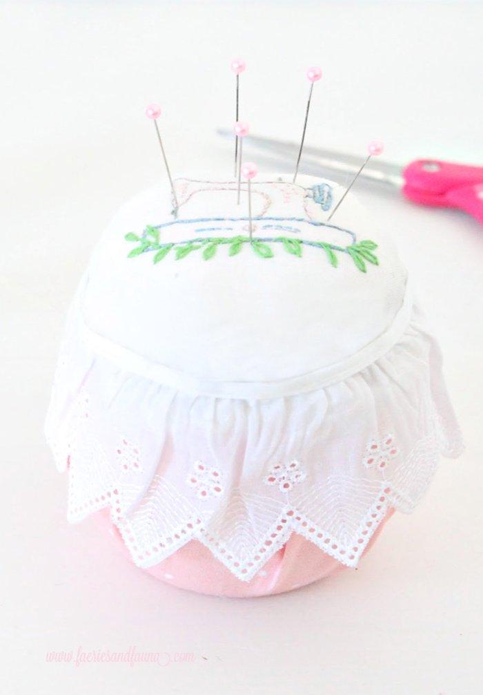 An easy embroidery craft idea, a DIY pin cushion