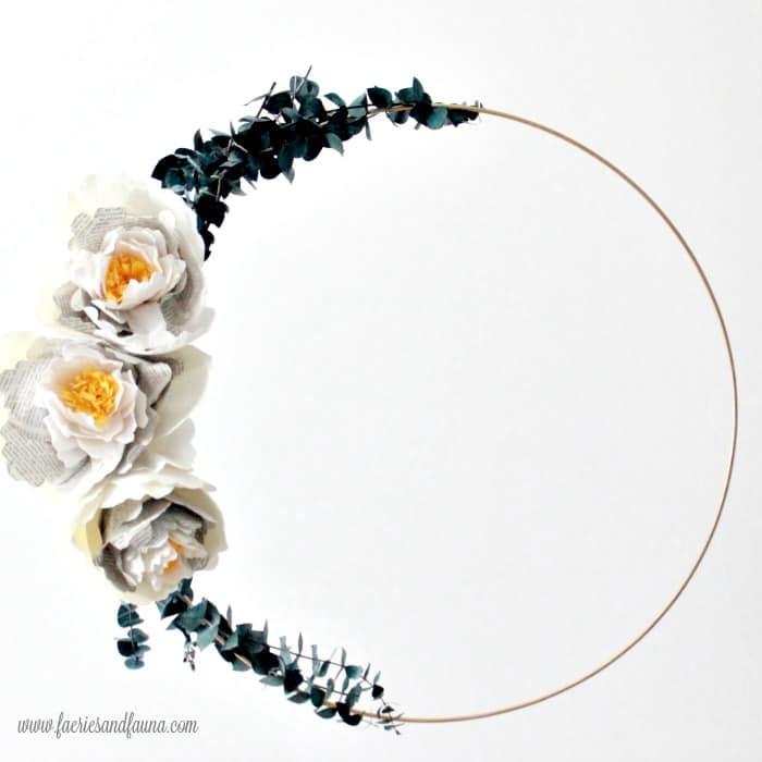 Wire hoop wreath, a paper craft idea..