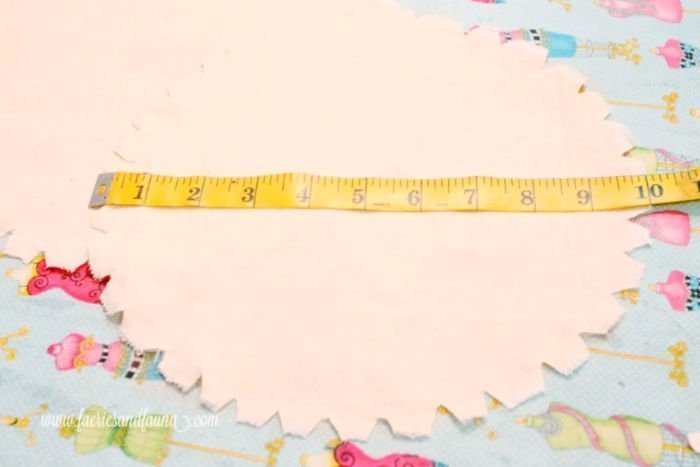 How to measure and prepare the end pieces of a DIY bolster pillow