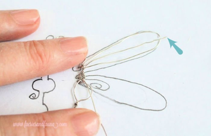 Folding wire into dragonfly wings