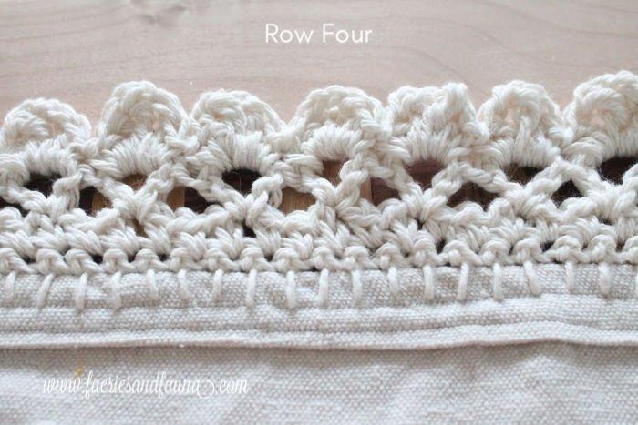 Crochet edging on a farmhouse style DIY throw for summer.