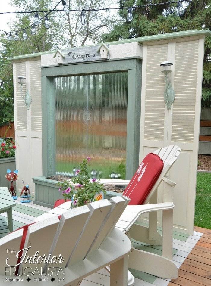 Using old closet doors for outdoor privacy screen