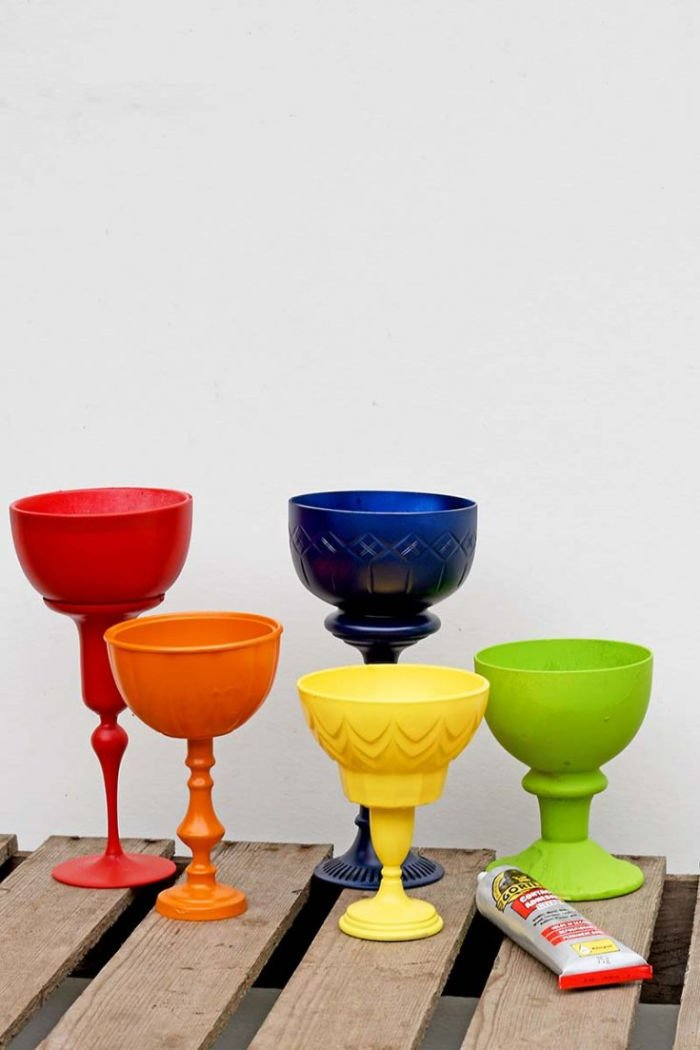 How to make a set of thrifted planters in bright colours.