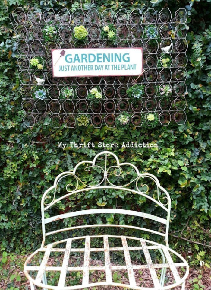 How to make a garden using an old bed spring