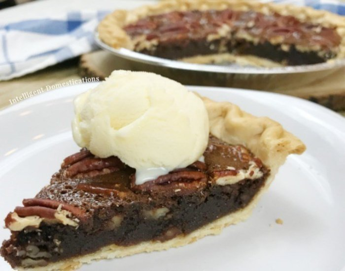 Easy chocolate pecan pie recipe with ice cream.