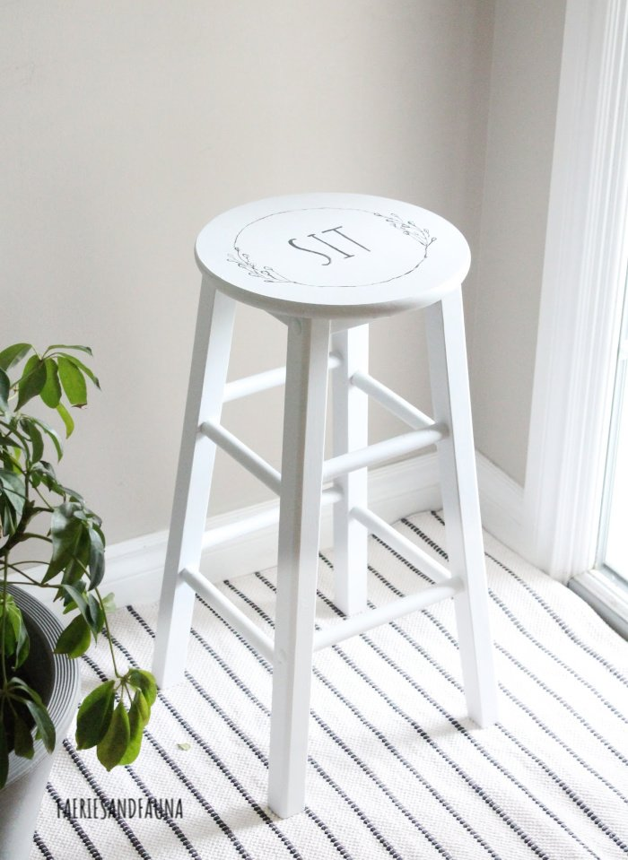 How to makeover a stool with fusion mineral paint.