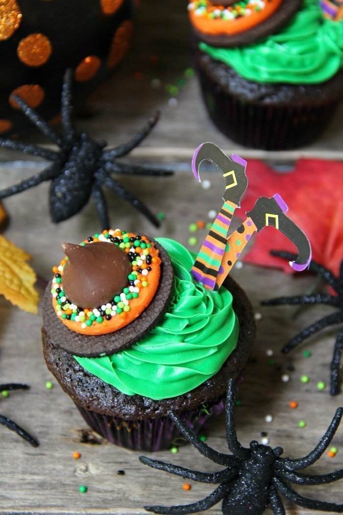 Very easy to make Witches Cupcakes