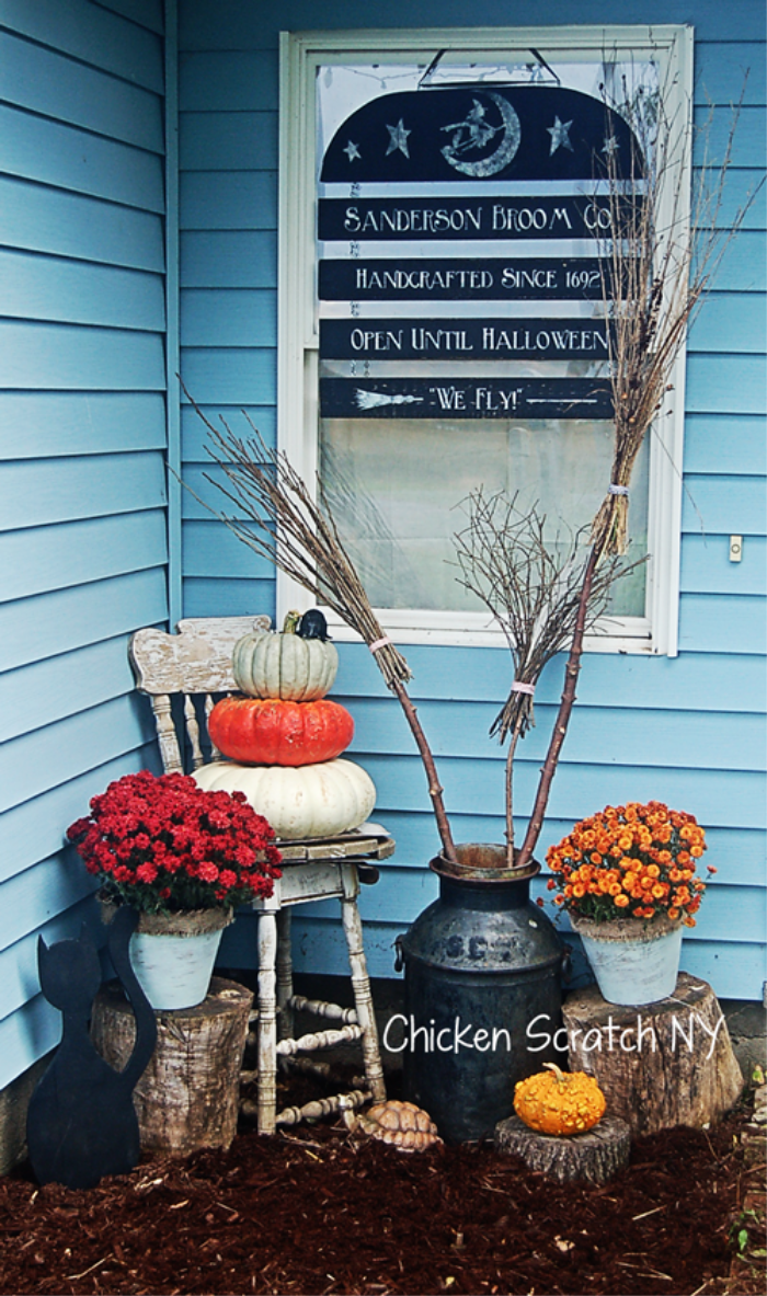 Halloween Front Porch Witch theme