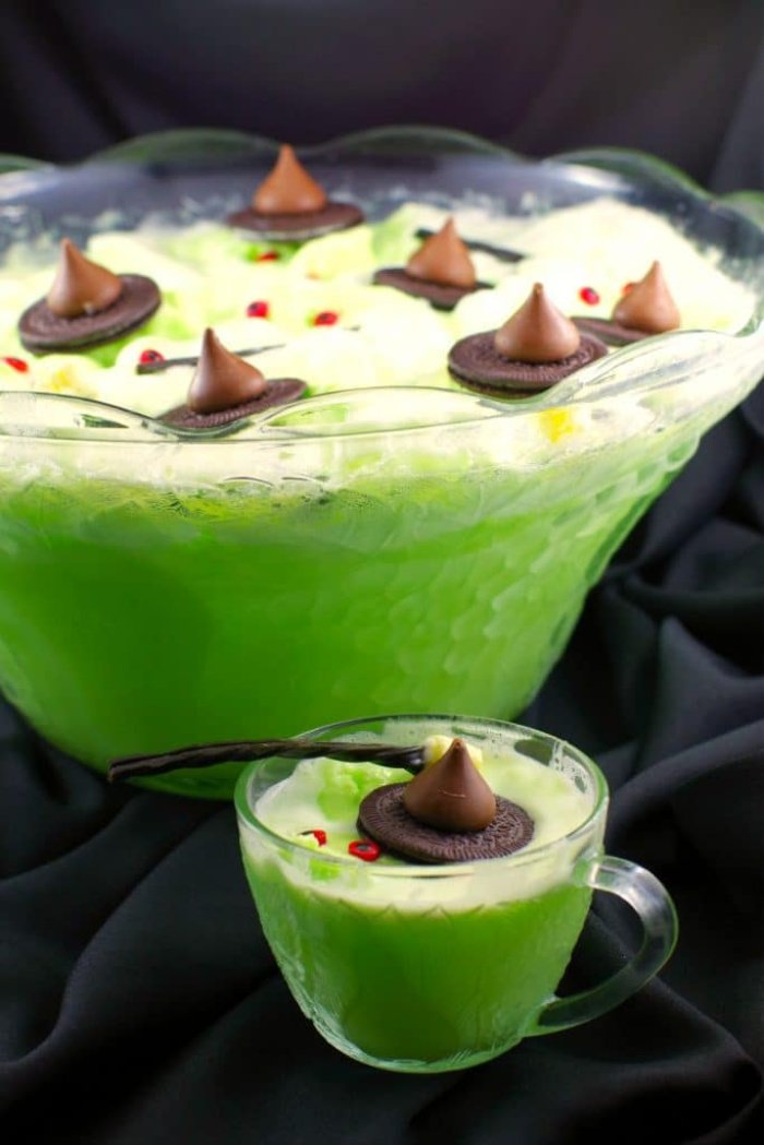 A recipe for non alcoholic Halloween punch.