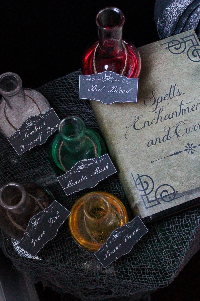 Free printable Halloween book covers and jar labels