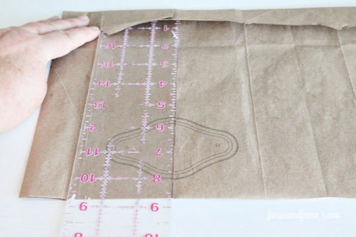 Measuring the depth of a drawer for paper drawer liner