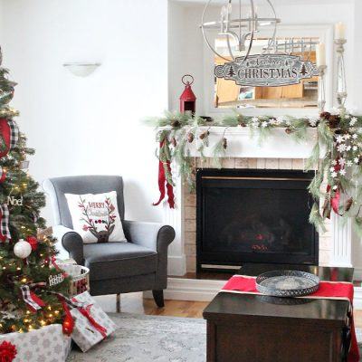 How to Make a Asymmetrical Christmas Mantel
