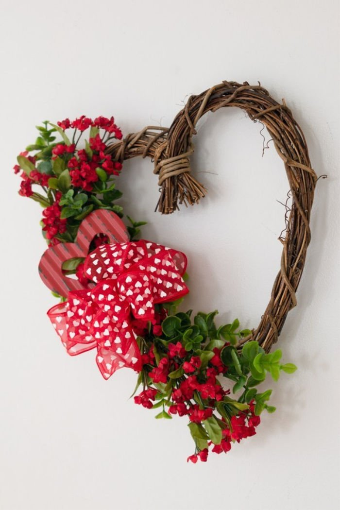 Heart wreath Valentine Craft