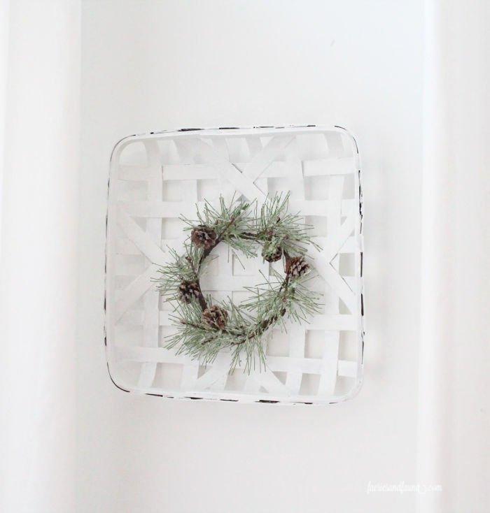A pretty farmhouse tobacco basket craft idea for winter decor